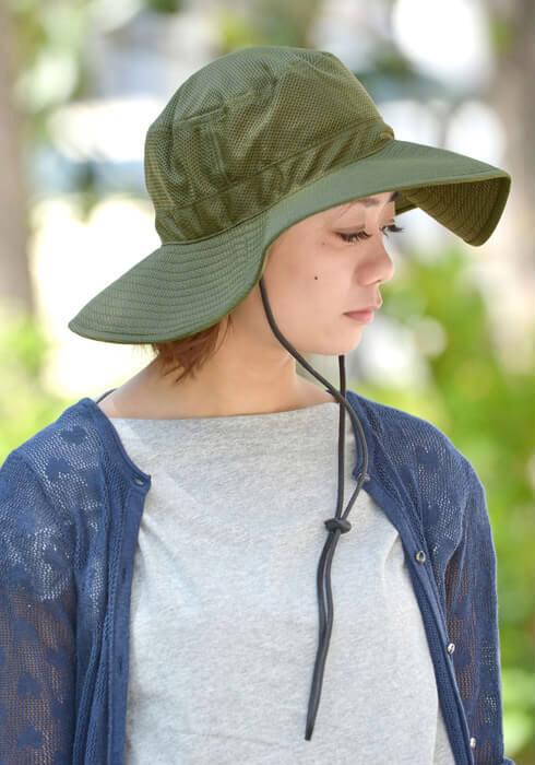 COOL MAX アドベンチャーハットをかぶる女性の画像